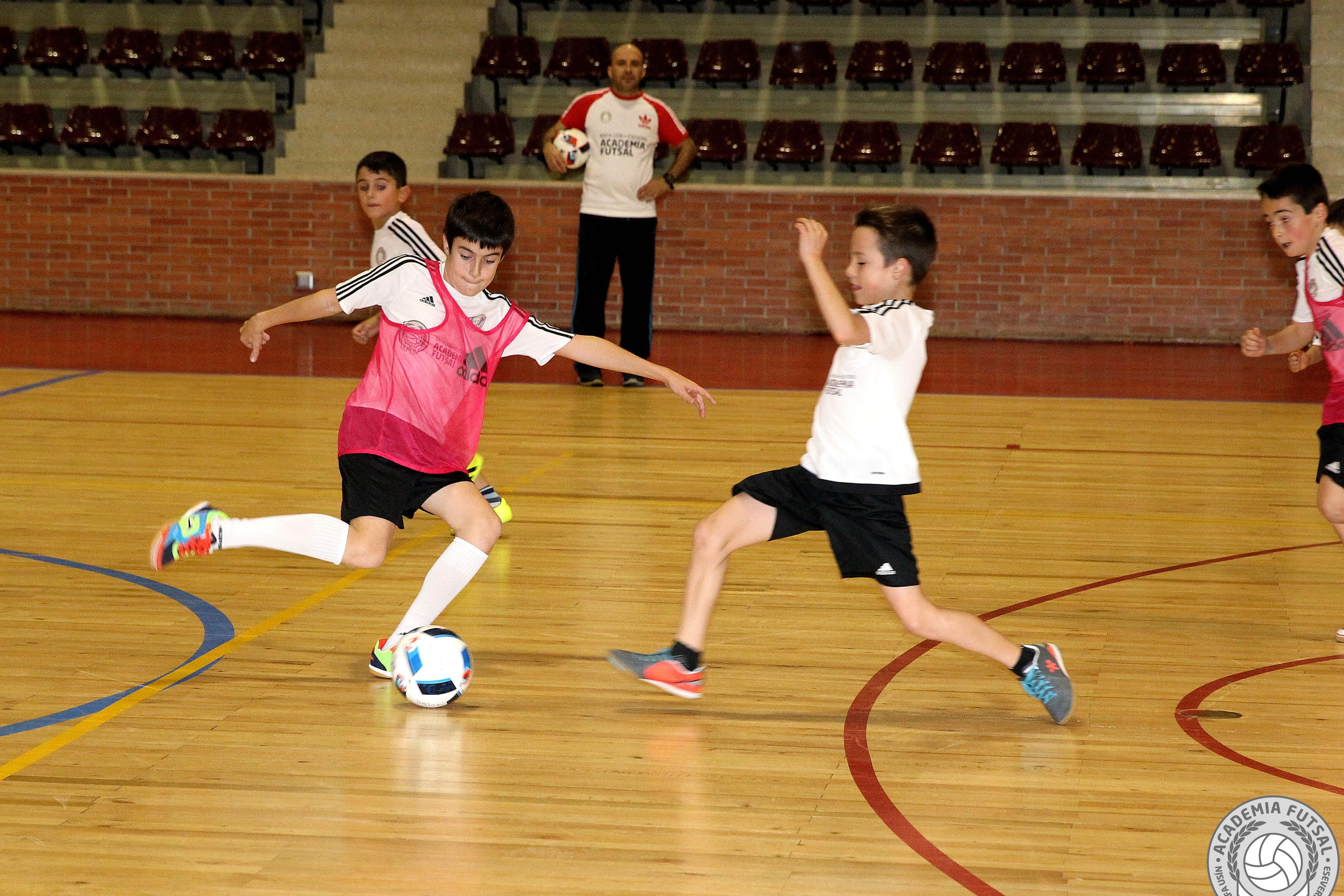 entrenamiento futbol sala academia futsal pamplona